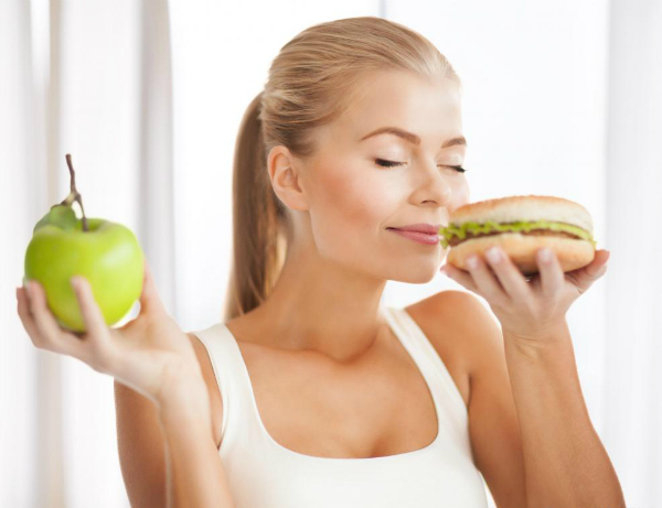5 Ways Nutritionists Deal When They Get Cravings for Unhealthy Foods